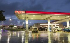 Mock ExxonMobil report challenges integrated reporting critics