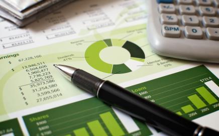SEC seeks input on quarterly reporting