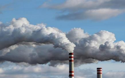 More companies factoring carbon price into business risk