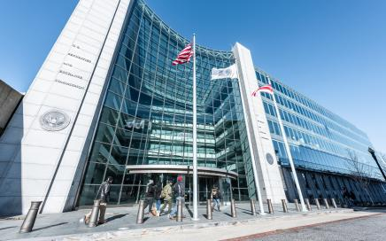 SEC and Delaware guide on proxies and AGM notices